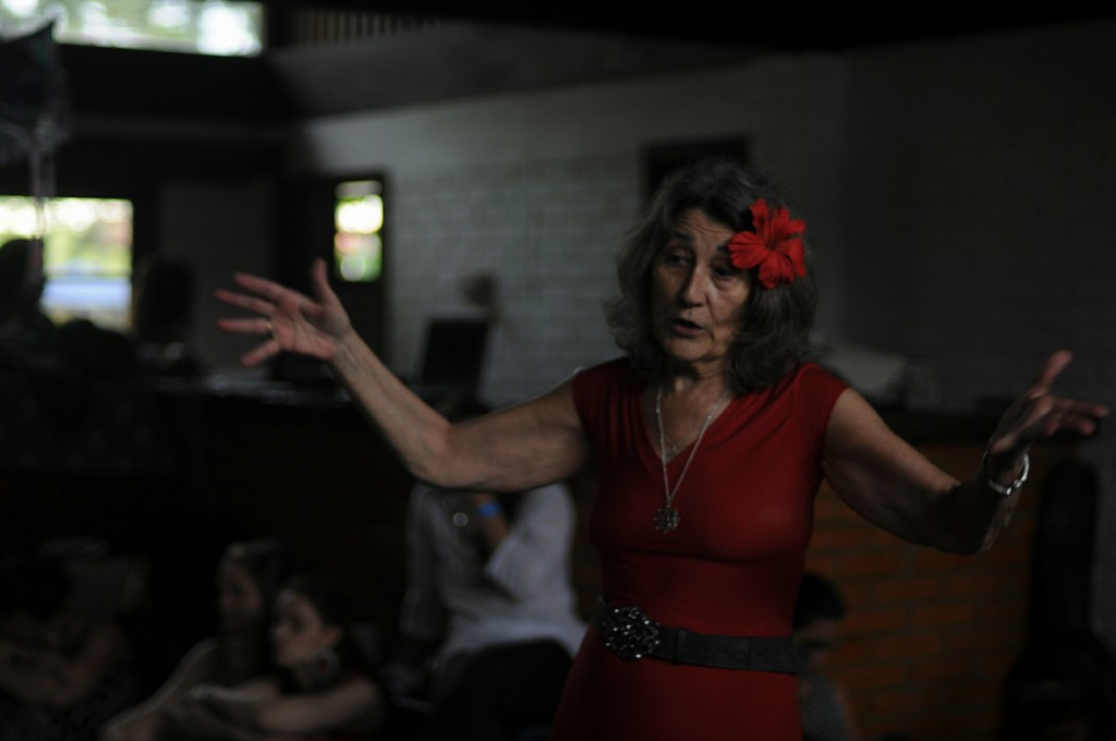 Mónica Gimenez: sexualidade sagrada e gineterapia.